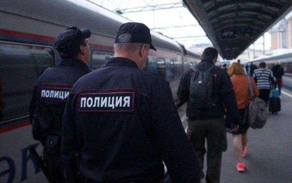 В Карелии полицейский помог семье с ребенком вернуться домой