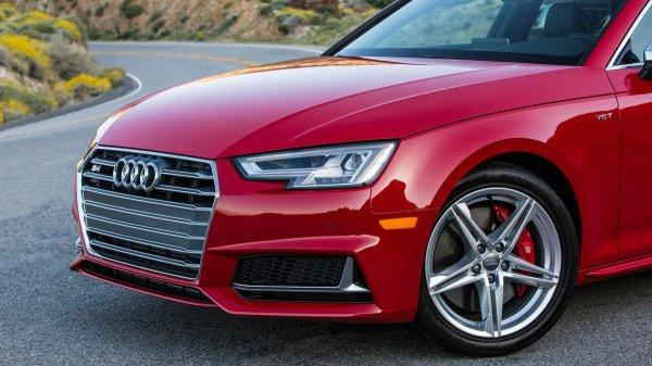 Новый седан Audi S4 обладает лучшей производительностью