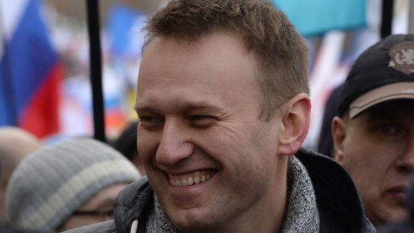 Суд отказал в просьбе Навального о вызове на допрос Медведева