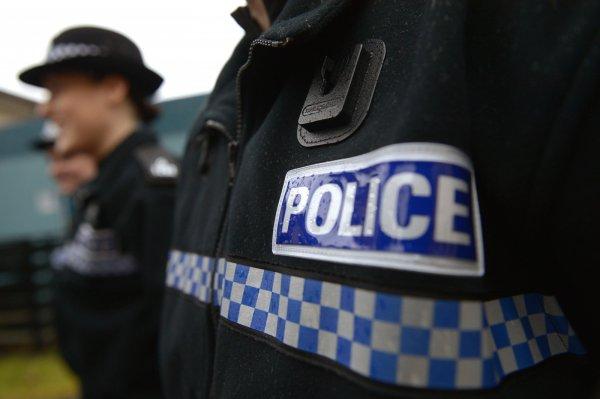 В Манчестере полиция оцепила район с подозрительным автомобилем