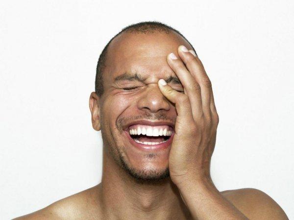 Учёные выяснили влияние смеха на сплоченность коллектива