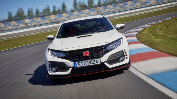 В сети появилась обширная галерея нового Honda Civic Type R