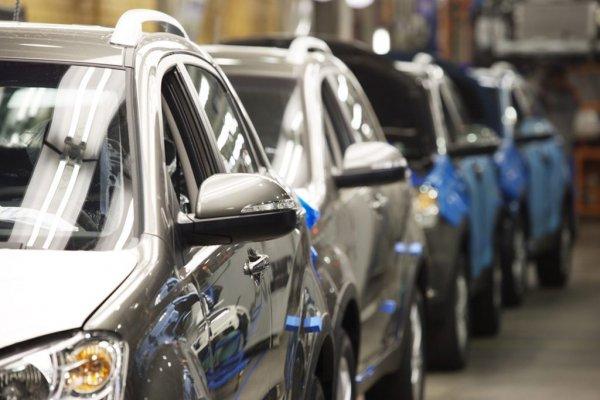 Импорт легковых автомобилей в Россию за 4 месяца упал на 19%
