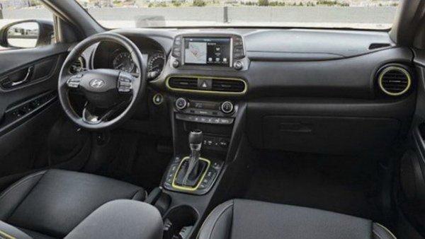 Интерьер кроссовера Hyundai Kona показан до официальной премьеры