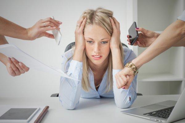 Ученые: Люди верят в теории заговора из-за стресса