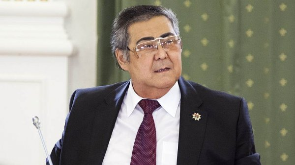 В Кремле прокомментировали слухи об отставке Тулеева