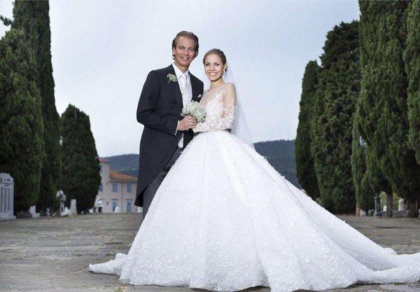 Виктория Swarovski вышла замуж в платье почти за миллион долларов