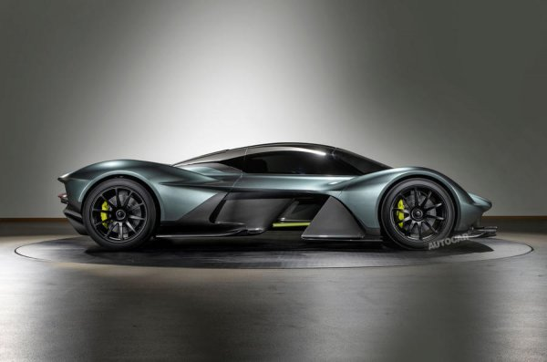Совместный гиперкар Aston Martin и Red Bull Valkyrie может оказаться мощнее, чем ожидалось