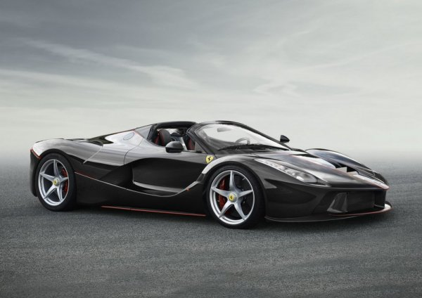 Ferrari отказала известному коллекционеру в продаже суперкара LaFerrari Aperta