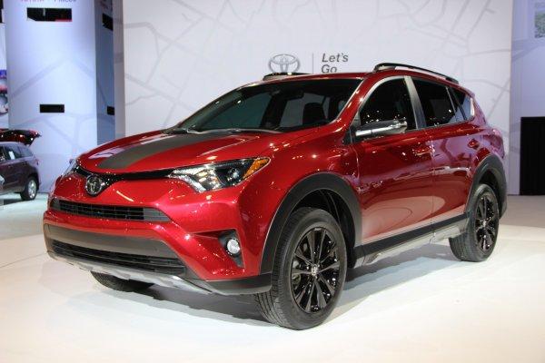 В России стартовали продажи особой версии Toyota RAV4 Adventure