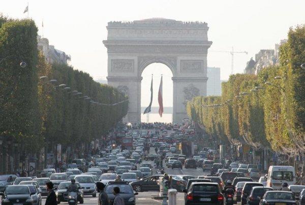 Франция планирует к 2040 году отказаться от авто с ДВС