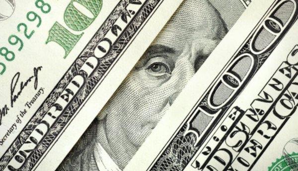 Курс доллара превысил отметку в 60 рублей