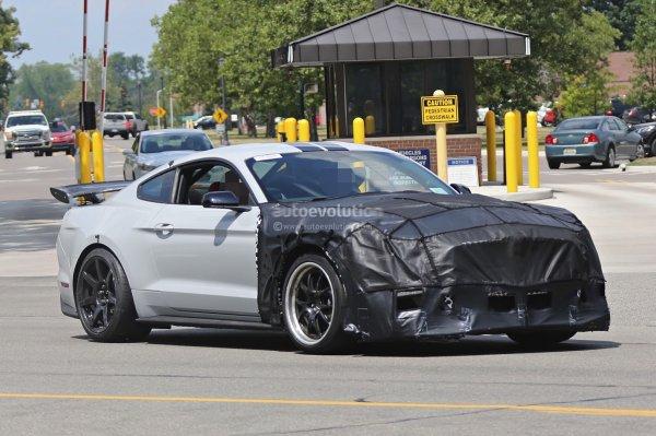 Новый Ford Mustang Shelby GT500 2019 получит 680-сильный мотор