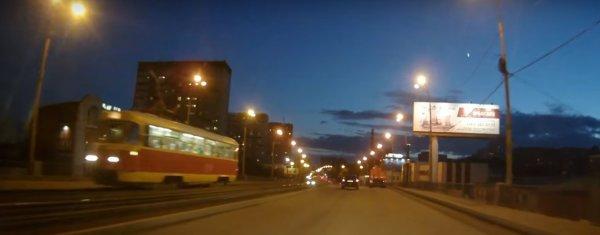 В Сети появилось видео, как в Екатеринбурге упал метеорит
