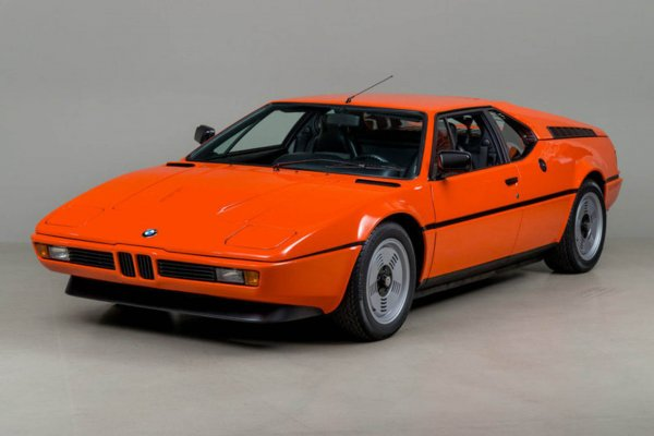 На аукцион выставлен первый суперкар компании BMW