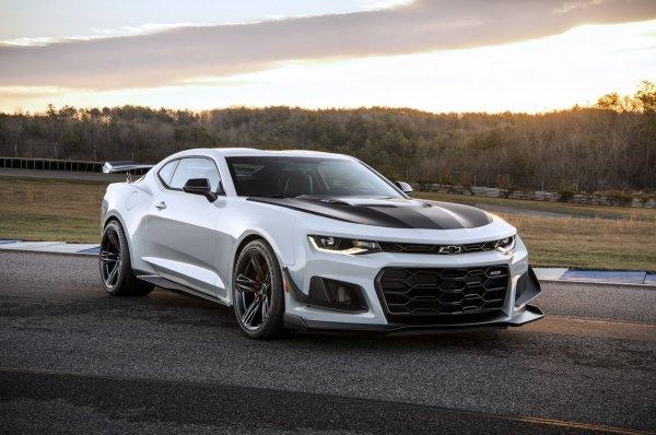 Chevrolet Camaro и Corvette появятся на австралийском авторынке