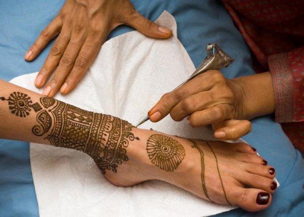 Ученые: Временная татуировка опасна для здоровья