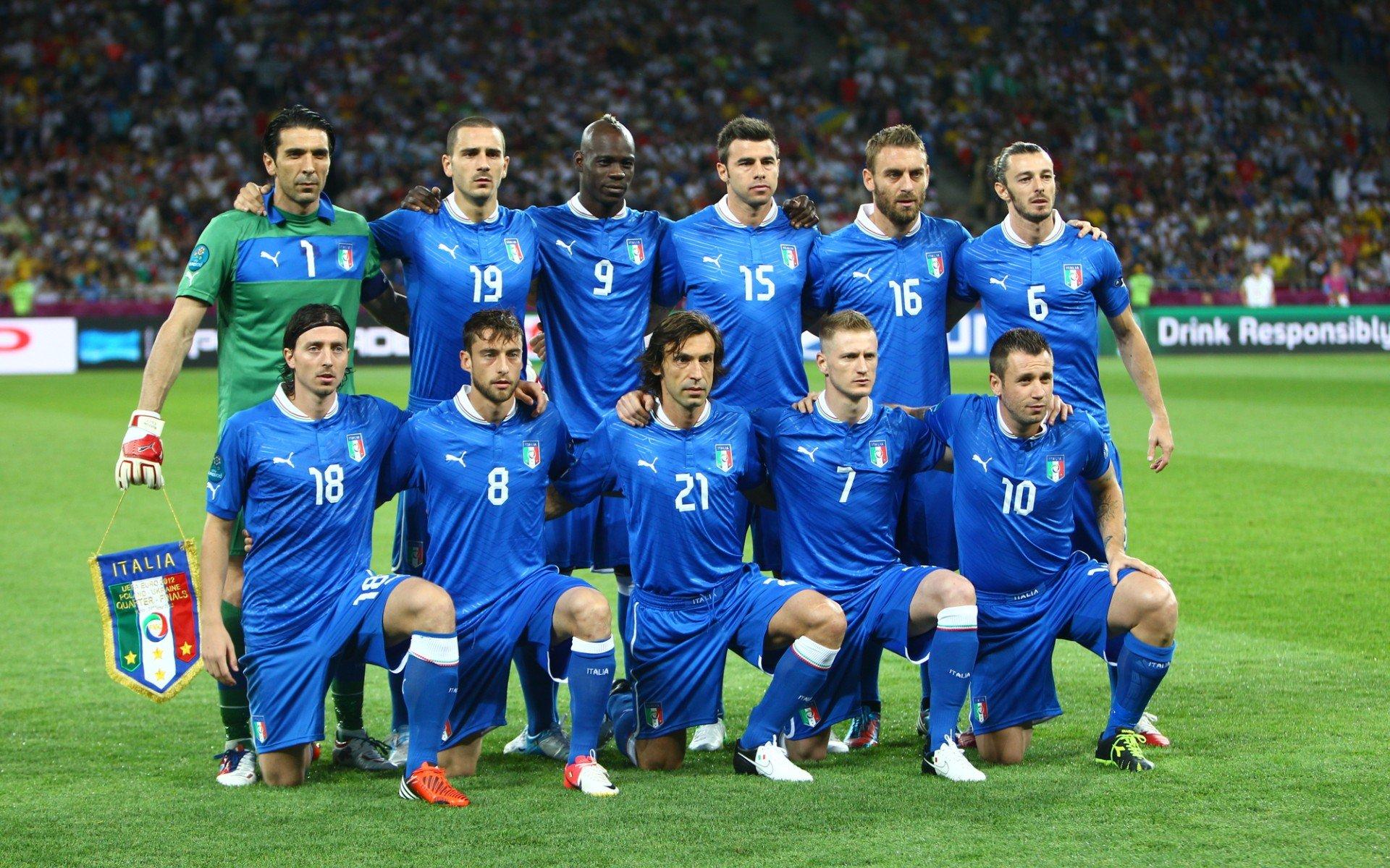 того футболисты сборной италии фото включает