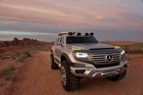 Внедорожники Mercedes-Benz GLB и GLG выпустят в 2019 году