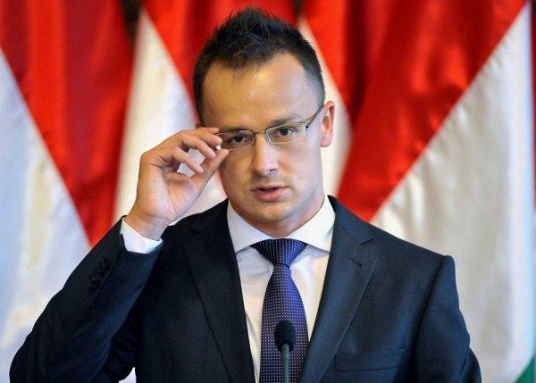 МИД Венгрии: Украина может распрощаться с европейским будущем