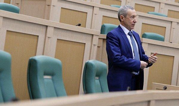 Климов сообщил, когда будет принят закон по вмешательству в дела России