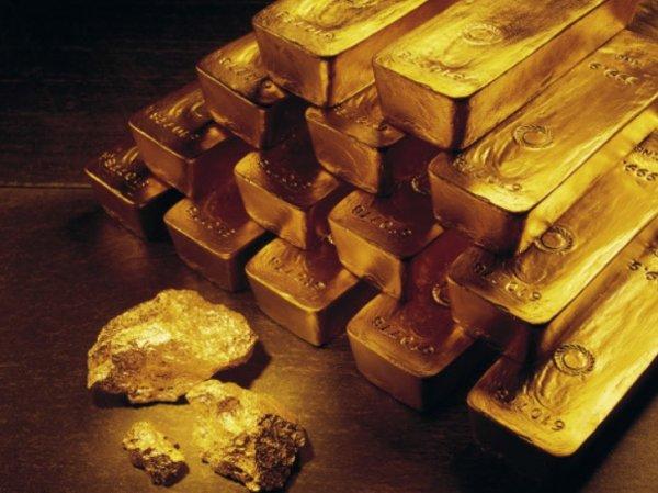 Золотой запас России компенсирует колебания курса валют и стабилизирует экономику