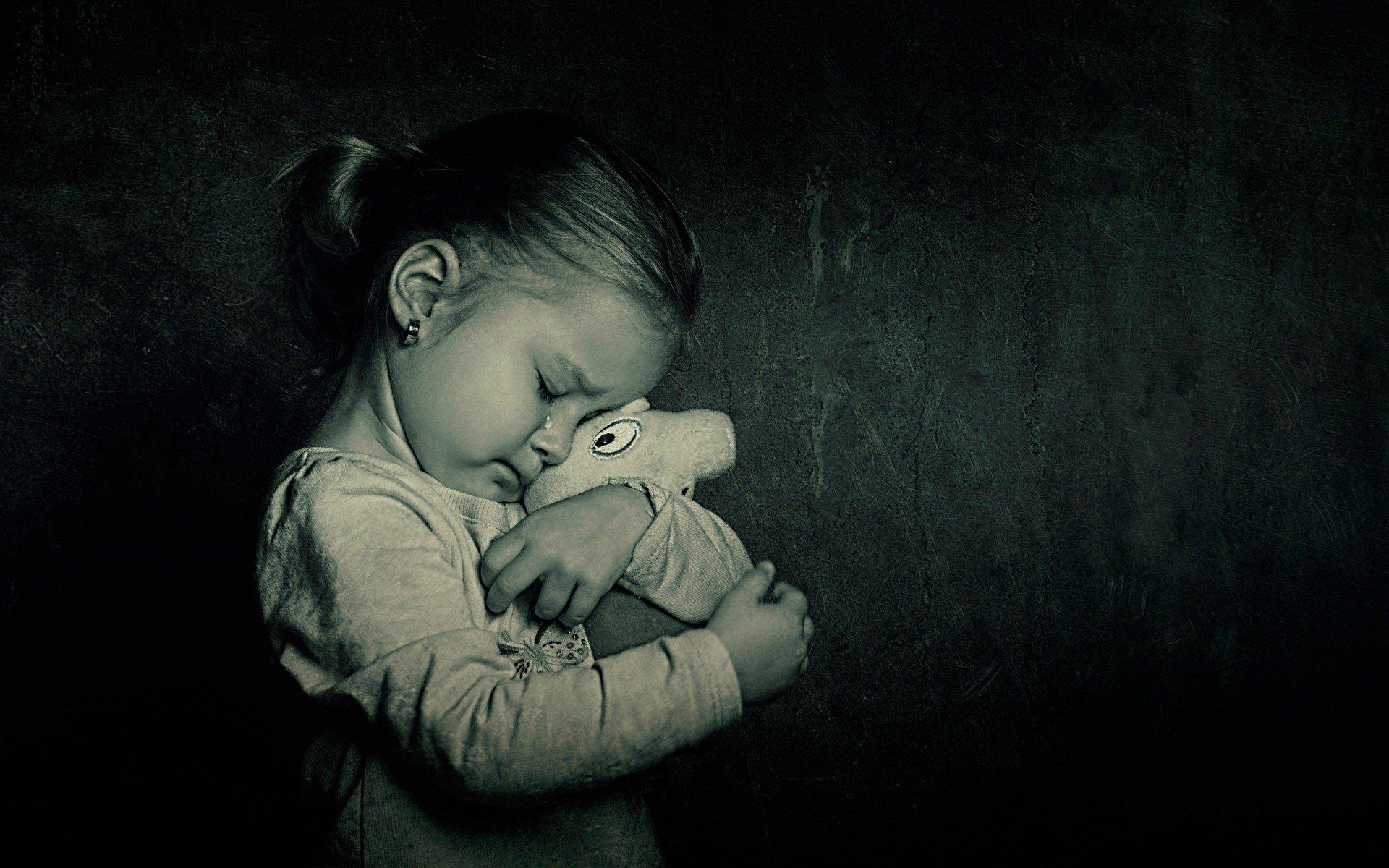 Мама и дочь грустят картинки