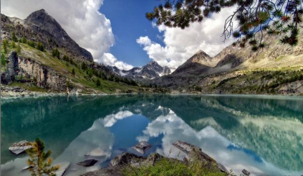 Заповедная природа Алтая привлекает до миллиона туристов в год