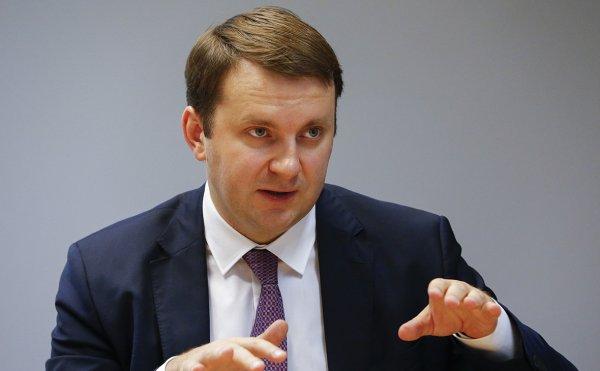 Орешкин заявил о необходимости ВТО освободить мировую торговлю от санкций