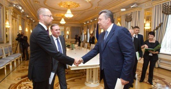 Яценюк сообщил о возможном возвращении Януковича к власти