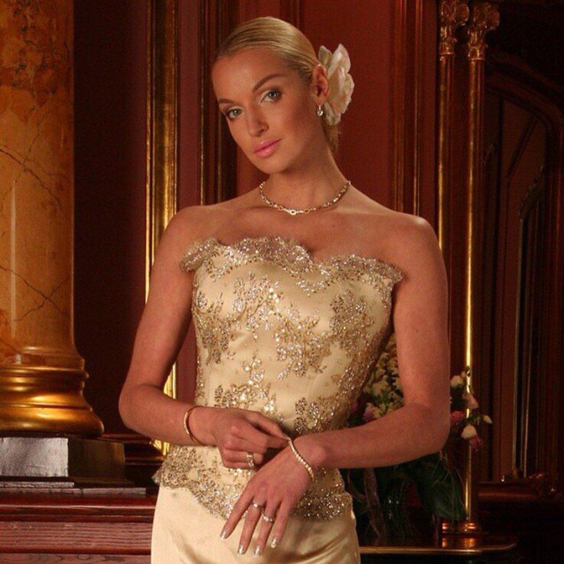 Женской известная русская балерина блондинка раз трахали жопу