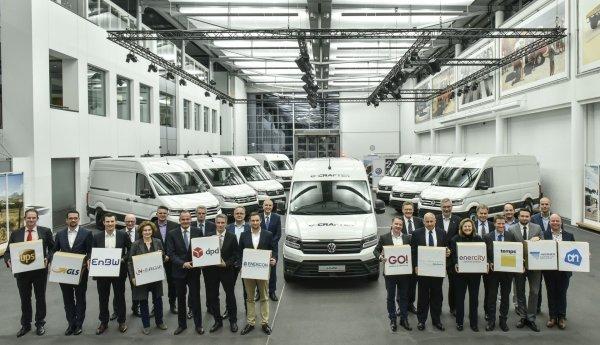 Первые электрофургоны Volkswagen e-Crafter добрались к своим заказчикам