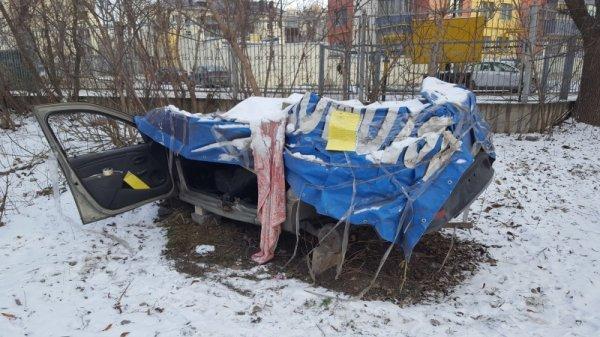 В Липецке нашли оставленные разукомплектованные иномарки