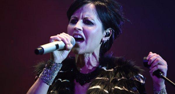 Причину смерти вокалистки The Cranberries не раскроют раньше апреля