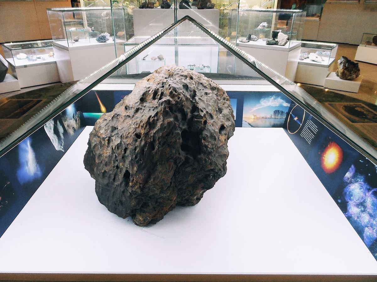 очень картинки падение метеорита в челябинске часто нами овладевает