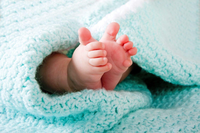 Антону, картинки ножки новорожденного мальчика