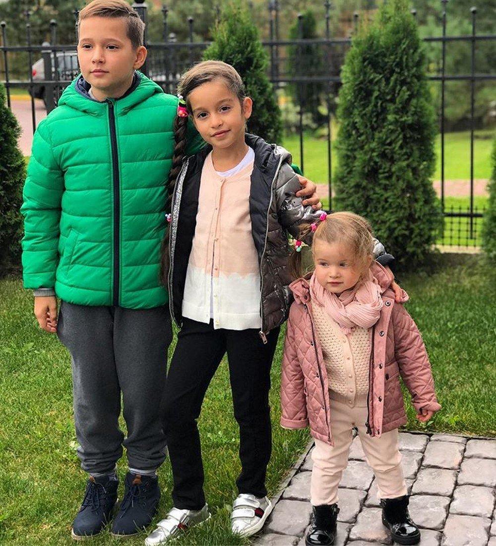 Дети Бородиной Ксении: Маруся и Теона