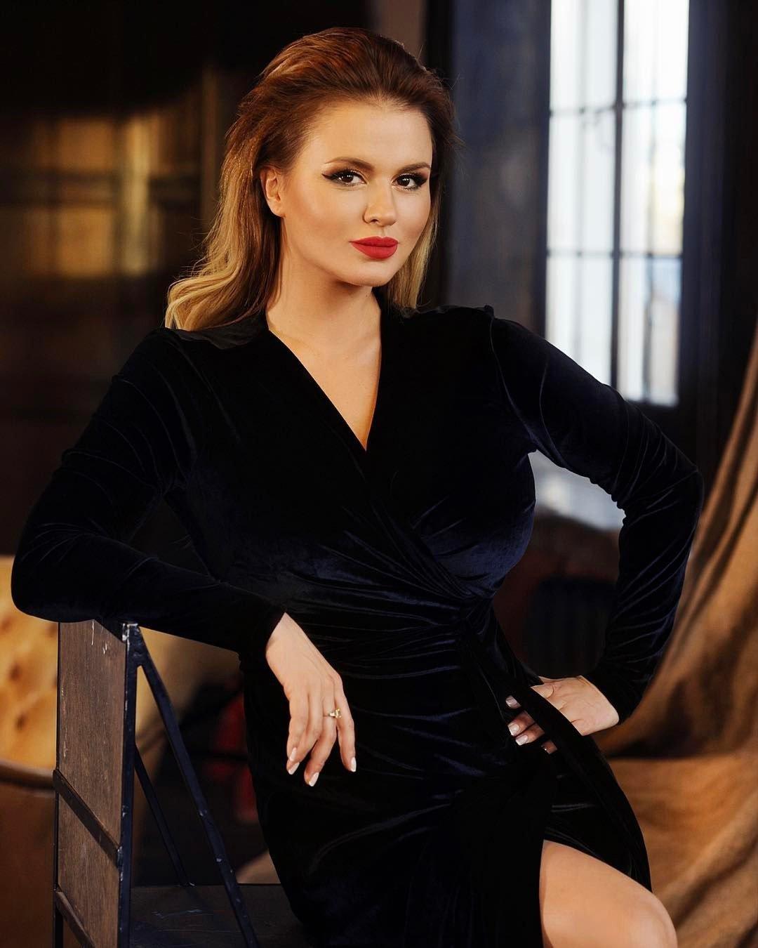 Семенович устроила скандал вЦуме из-за 100 руб. завход втуалет