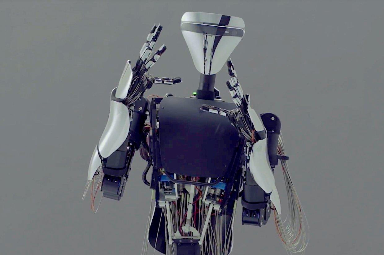 Всети интернет размещено видео испытаний самого нового робота-аватара MELTANT