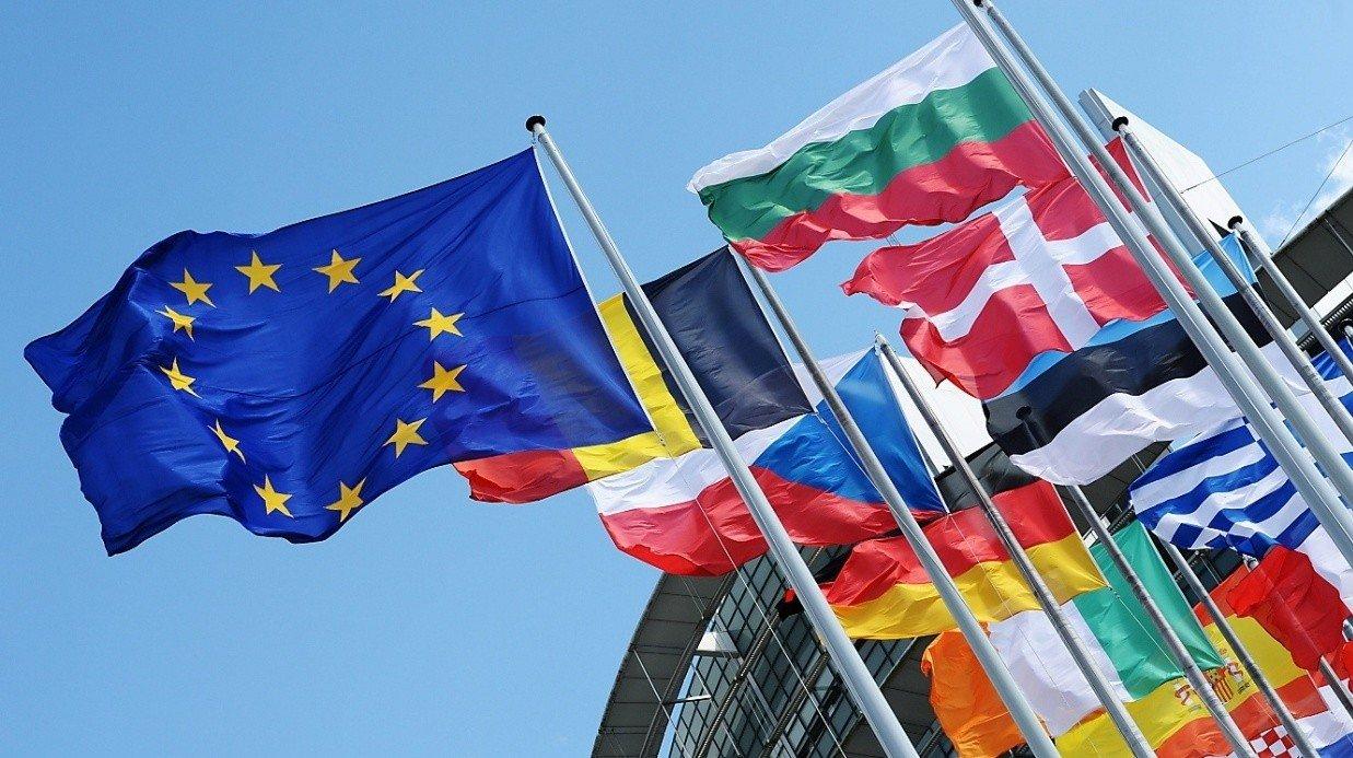 Премьер Чехии объявил о вероятной высылке русских дипломатов