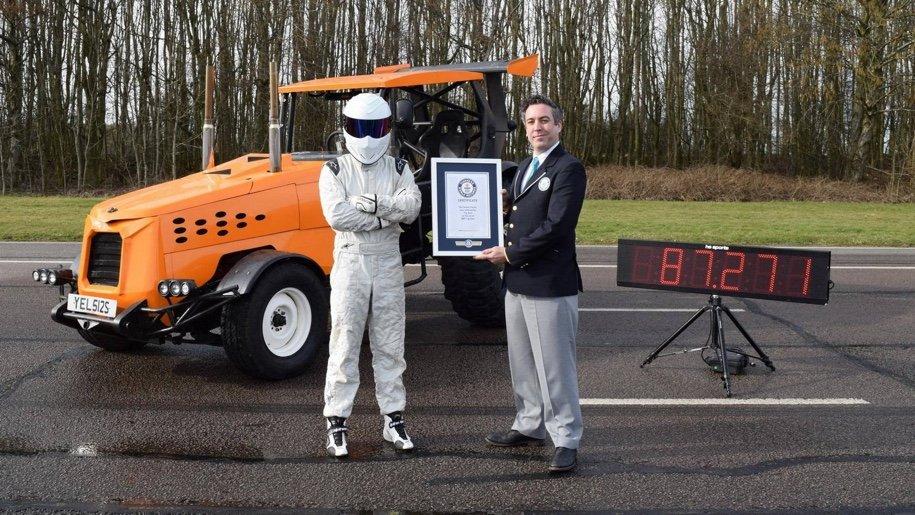 Стиг изTop Gear разогнал трактор дорекордных 147,93 км/час