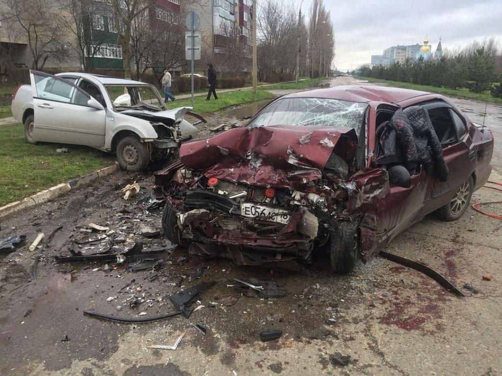 ВТихорецке шофёр иномарки устроил ДТП и умер