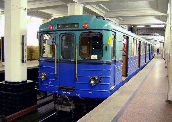 Ученые: поездки в метро опасны для слуха