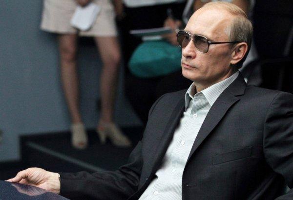 Макрон поздравил Владимира Путина с победой на президентских выборах