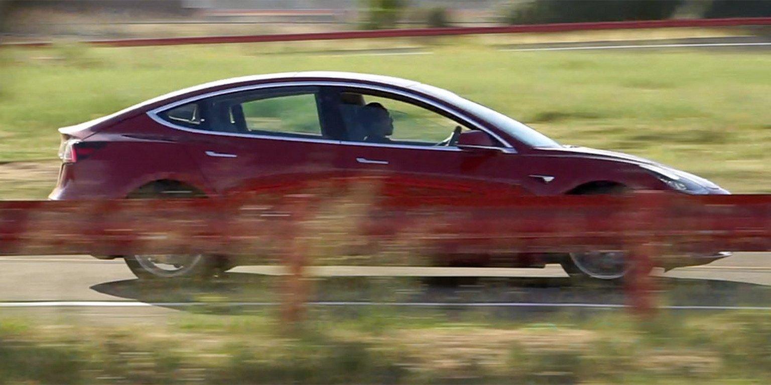 Tesla запустила втестовый период двухмоторный вариант седана Tesla Model 3