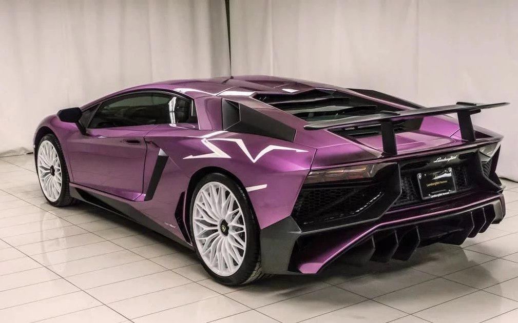 Lamborghini AventadorSV спробегом продается за664 тыс. долларов