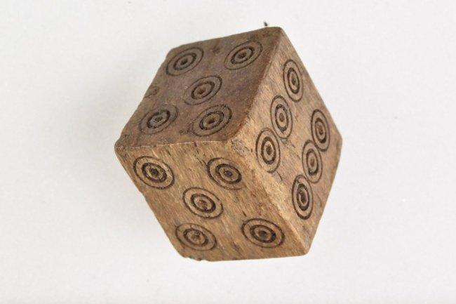 ВНорвегии ученые обнаружили кубик старинных мошенников