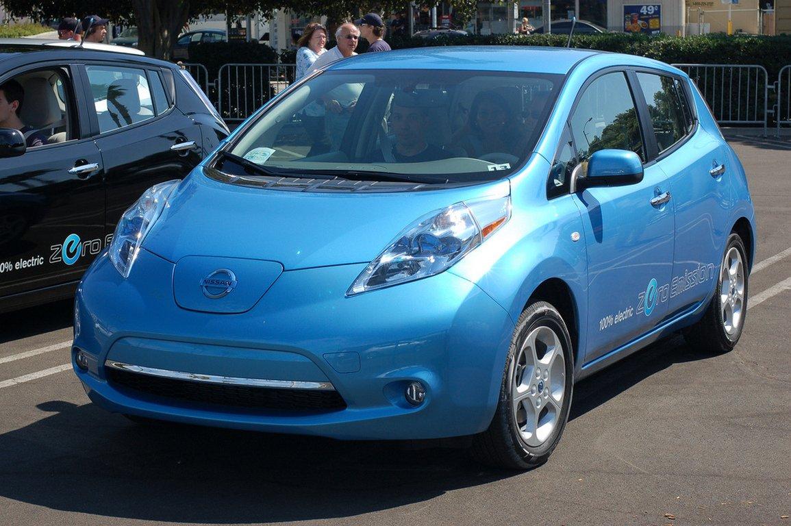 Рынок новых электромобилей в РФ продолжает расти