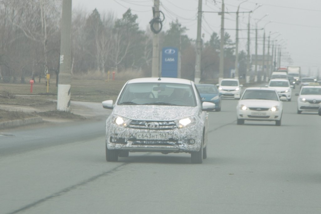 Улучшенный седан Лада Granta снова был замечен на трассах Тольятти