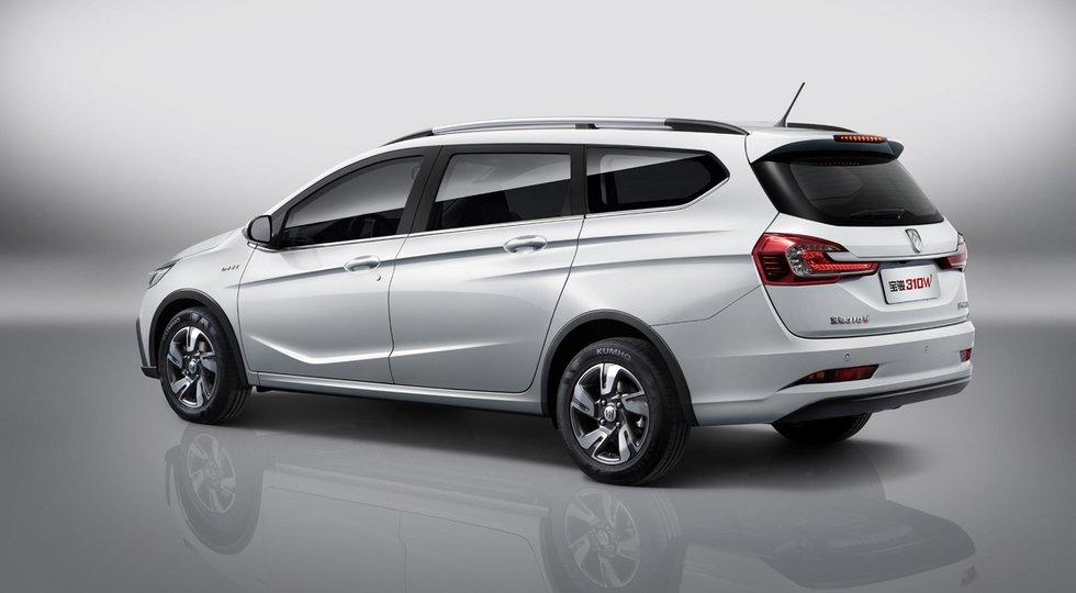 General motors представил обновленный универсал Baojun 310 Wagon
